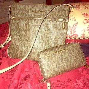 Michael Kors Crossbody purse with wallet